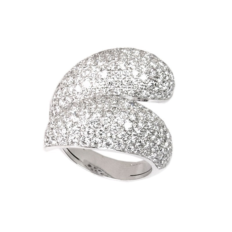 Sortija de oro blanco y diamantes. LARRA1877