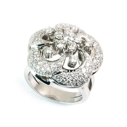 Sortija de oro blanco y diamantes. LARRA1161