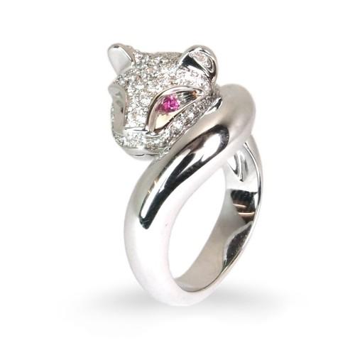 Sortija de oro blanco, rubíes y diamantes. LARRA1854
