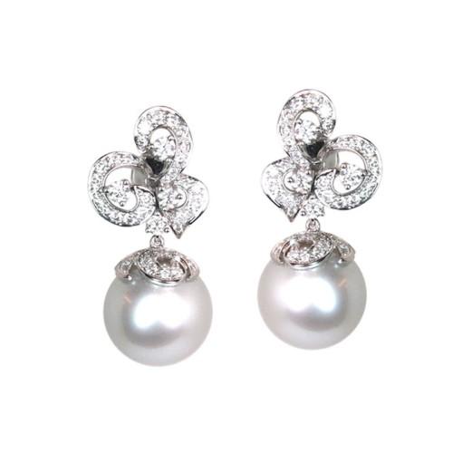 Pendientes de oro blanco, perlas y diamantes. LARRAP0759