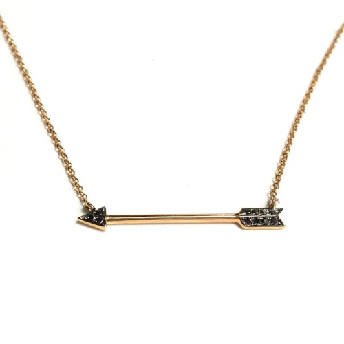 Colgante Flecha de oro rosa y diamantes J01100396