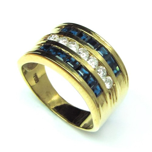 Sortija de oro amarillo, diamantes y zafiros. B01200007
