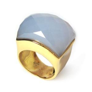 Sortija oro amarillo y calcedonia. B07200081