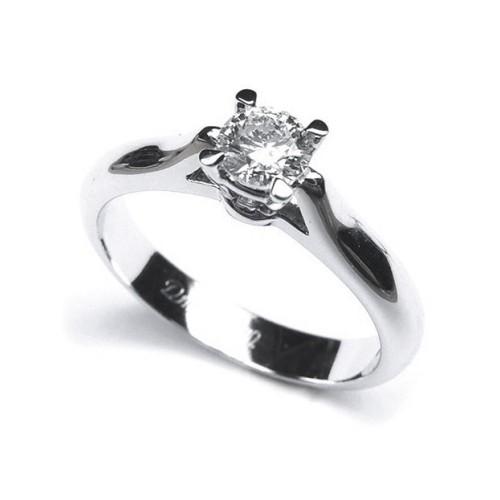 Solitario de oro blanco y diamante B01101745